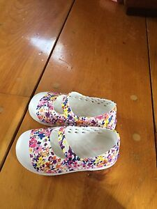 Toddler summer shoes sz 6