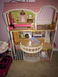 4ft doll house fits full size barbies