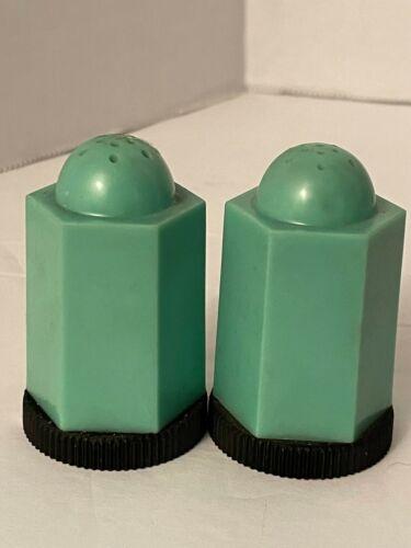 "Vintage Art Deco Green Hard Plastic Salt And Pepper Shakers 2.5"" Tall"