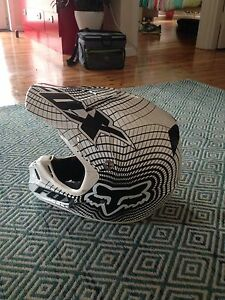 FOX V3 helmet Limited Edition St Peters Marrickville Area Preview