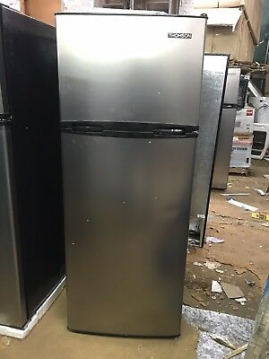 Thomson (S980104430) Top Freezer Refrigerator 7.5 cu ft Platinum