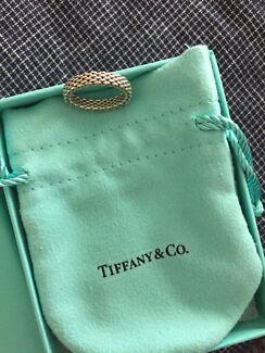 Tiffany & co mesh round ring