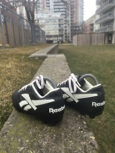 outdoor, SOCCER SHOES/clits, by REEBOK, size:8 US