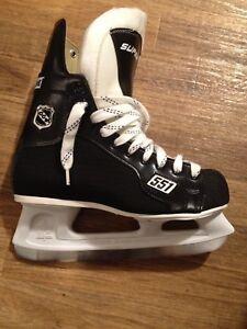 CCM 551 Men Hockey States, size 8