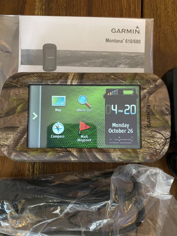 Garmin Montana 610t Camo Handheld GPS Garmin Refurbished