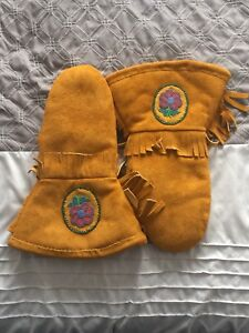 Hand made leather mitts (beaded)