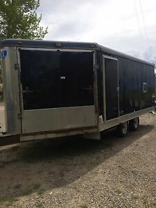 2009 Interstate enclosed 3 place snowmobile trailer