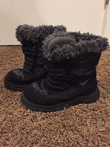 Size 10 (Toddler) Winter Boots - $5