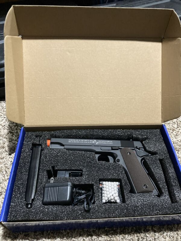 Airsoft Colt Cybergun Electric 1911   Full Metal,  Battery, Mag, Charger
