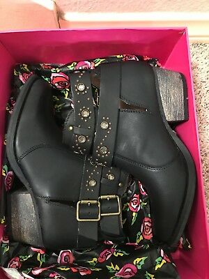 Betsey Johnson Willow Booties
