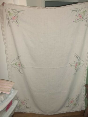 Vintage Linen Embroidered Tablecloth Beautiful Crochet Lace Border Rectangular 7