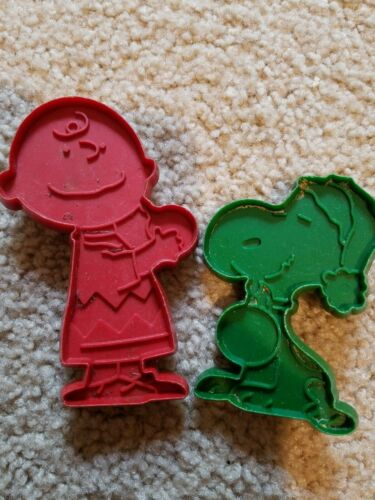 Vintage United Feature Syndicate Cookie Cutters Peanuts: Charlie Brown & Snoopy