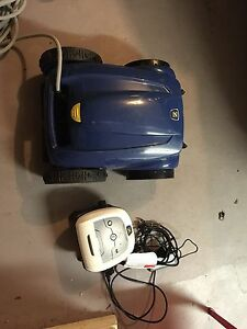 Swimming Pool Vacuum cleaner sale Wheelers Hill Monash Area Preview