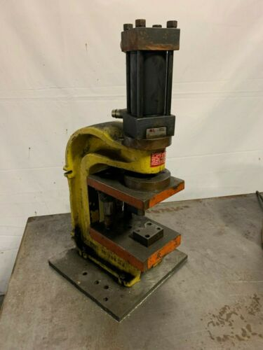 10 TON ENERPAC C FRAME HYDRAULIC PUNCHES Yoder Brothers #11035