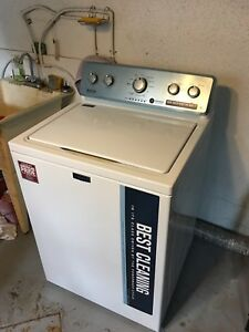 Laveuse Maytag presque neuve / Maytag washer almost new