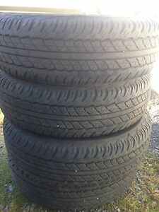4 Dunlop AT20 245 75R 16 tires