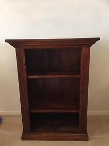 Bookcase dark stain Bligh Park Hawkesbury Area Preview