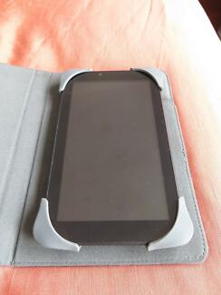 Pendo pad 7 inch AND Targus cover (excellent condition RRP $149)