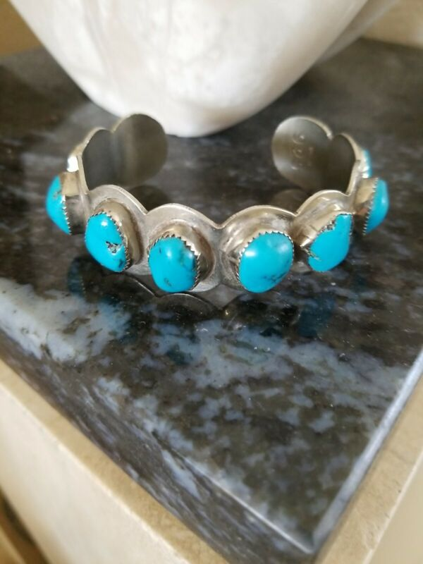 1980 NOGALES ARIZONA ARTISAN STERLING CUFF WITH 8 BRIGHT TURQUOISE NUGGETS (MED)