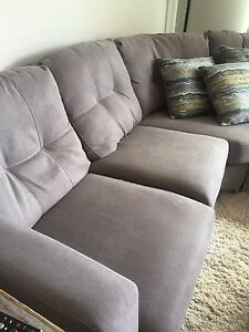 2 pc Brick London sectional +