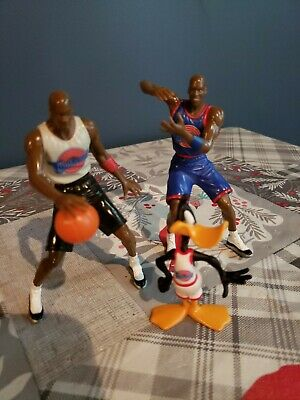 Space Jam Outfit (Space Jam Micheal Jordan figure with ball plus Jordan blue outfit and daffy)