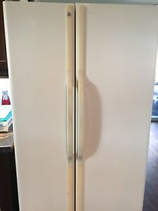 Full size GE side by side fridge - $75.00 TODAY only