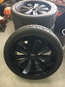 4 pneus 295/40R24 sur mag  6x139.7 por hummer ou escalade