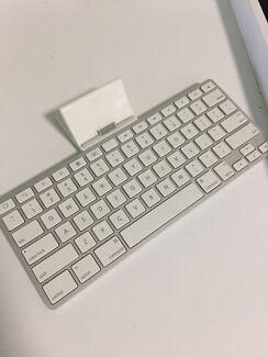 iPad 1/2 keyboard dock