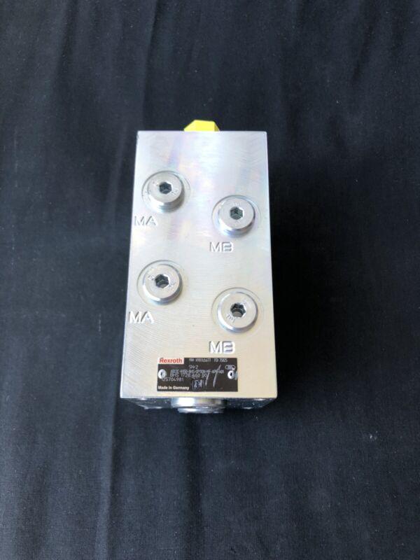 Rexroth R901135677 Hydraulic External Gear Pump NEW!!! FREE SHIPPING!!!