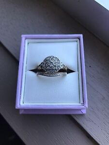 Stunning Michael Hill Engagement Ring & Wedding Ring Dungog Dungog Area Preview