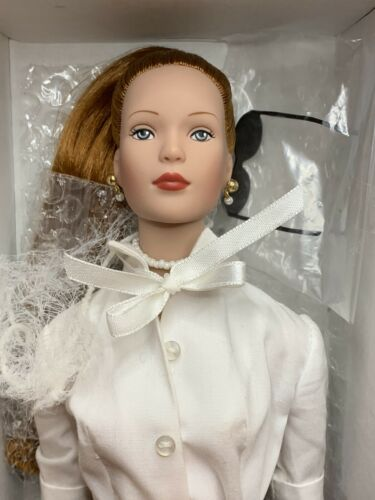 "Tonner Tyler Signature Style Blonde Hair 16/"" Doll 99802 NEW with Shipper"