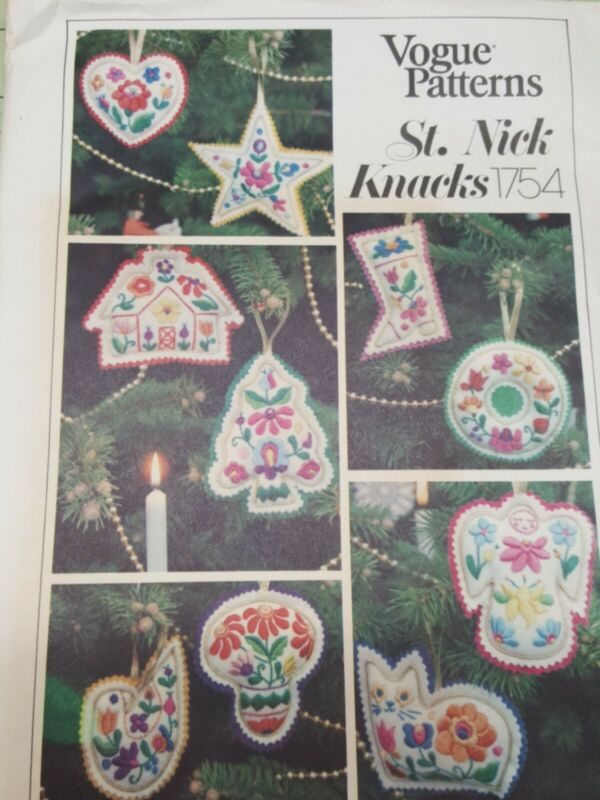 Vintage Vogue Patterns 1754 Christmas Ornaments Stockings Makes 10 UNCUT