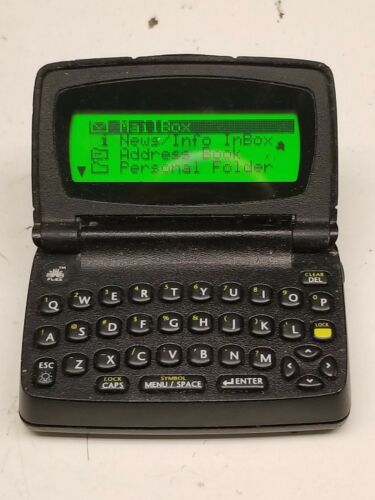 Motorola Two Way 2 way Pager T900 Black Powers Up Looks Beeps Vibrate Good LCD