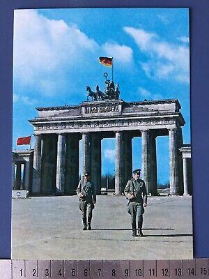 1 DDR Postkarte Berlin GDR Postcard 1976 Brandenburger Tor Grenze Mauer Soldaten