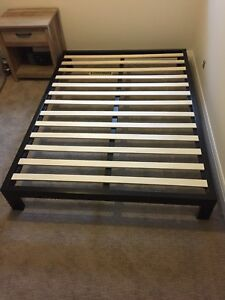 Black Metal Platform Bed Frame. Full-Queen