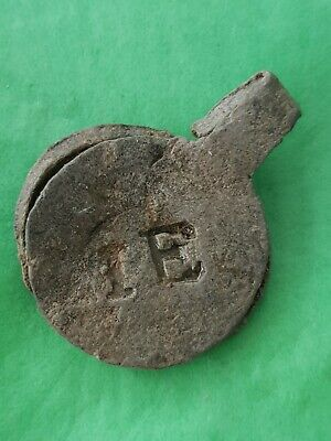 Very rare Post Medieval official stamp lead seal. Please read description. L111v