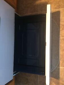 Samsung Conventional  Oven  Stove   Cornwall Ontario image 6