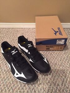 Brand new Men's size 12 baseball cleats