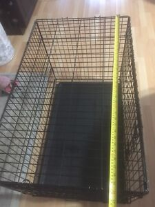 """Gently used dog crate 36""""Lx22""""Wx25""""H"""