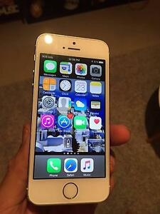 iPhone 5s | Great condition | Local Pick up | New headsets Melbourne CBD Melbourne City Preview