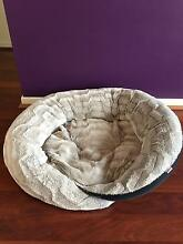 Near new pet bed (size = 100cm) Frenchs Forest Warringah Area Preview