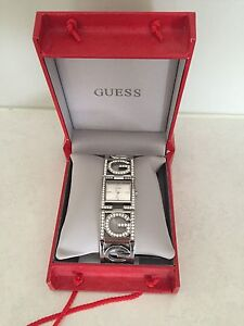 Authentic Guess Watch Oakdowns Clarence Area Preview