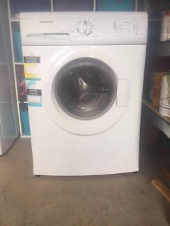 Front Load Washing Machine - Excellent condition
