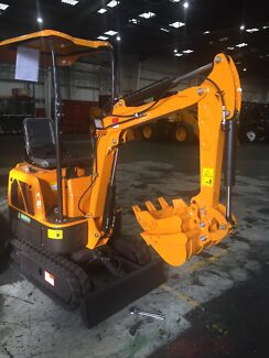 Excavator mini digger ME800 all attachments included ready to work