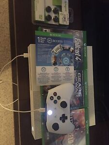Barely used Xbox 1 for sale