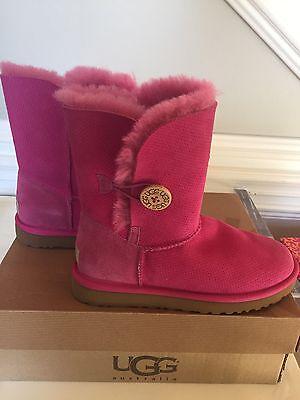 NIB UGG Australia Women's Bailey Button Fruit Punch Hot Pink Boots Size 7 EU 38](Hot Pink Ugg Boots)