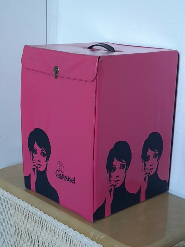 Vintage 60s Styrofoam Mannequin Head And Wig Travel Vynil Mod Case Carousel