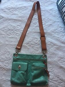 Roots leather village bag/purse (turquoise)