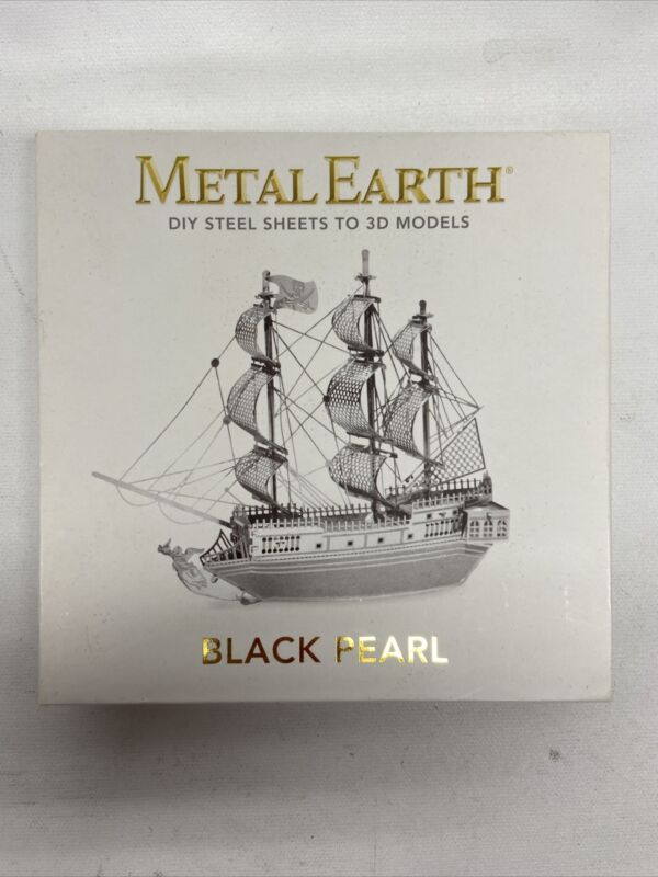 Fascinations Metal Earth 3D Laser Cut Steel Model Black Pearl Pirate Ship Boat