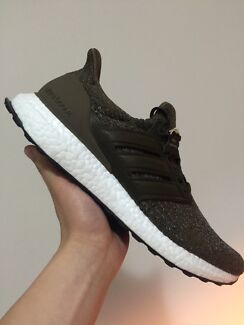 Ultra boost Trace Olive leather cage US9